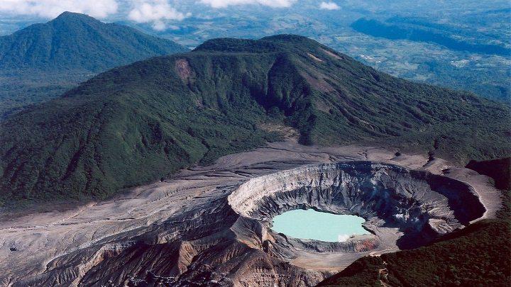 Parque-Nacional-Volcan-Poas-Costa-Rica1